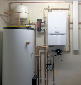 Boiler and water tank installation